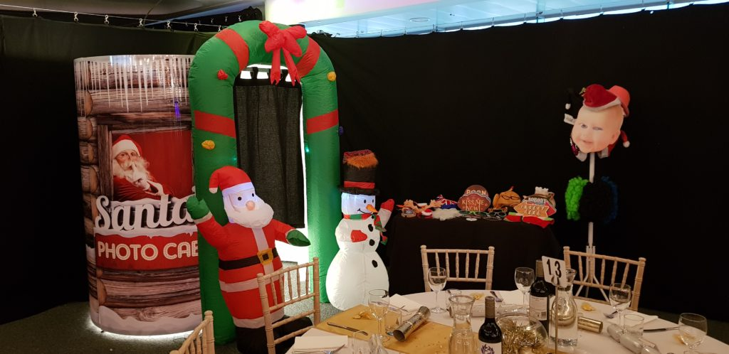 Oxford Disco and Karaoke in Oxfordshire - Top top of the Shots Photo Booth Christmas Cabin Design