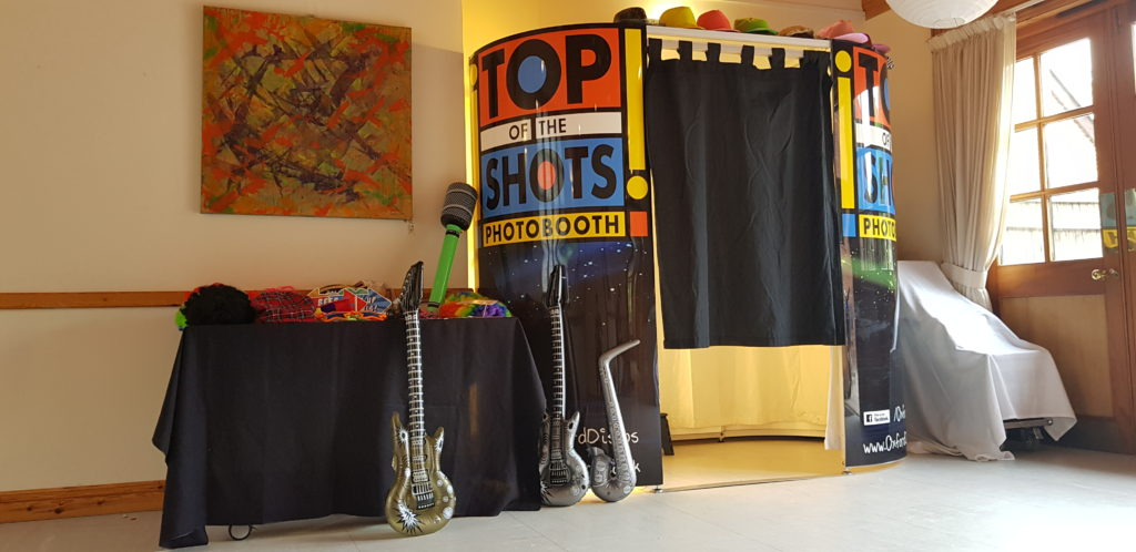 Oxford Disco and Karaoke in Oxfordshire - Top top of the Shots Photo Booth Design